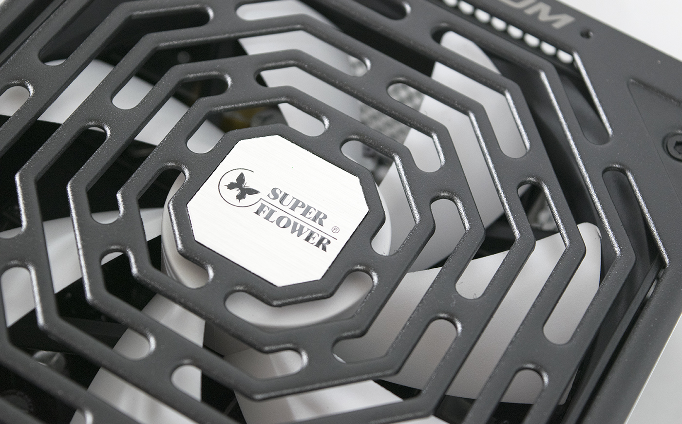 SuperFlower Leadex Platinum 750w Power Supply Overview 9