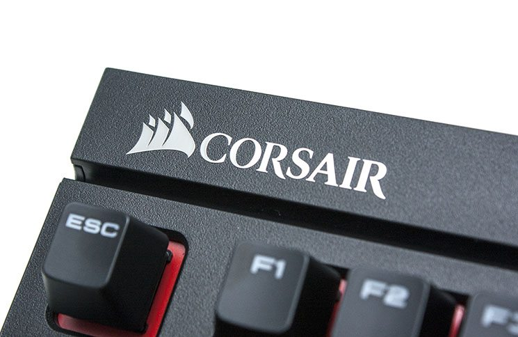 Corsair STRAFE Mechanical Keyboard Review 1