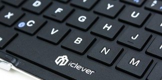iClever Bluetooth Foldable Keyboard Review 4