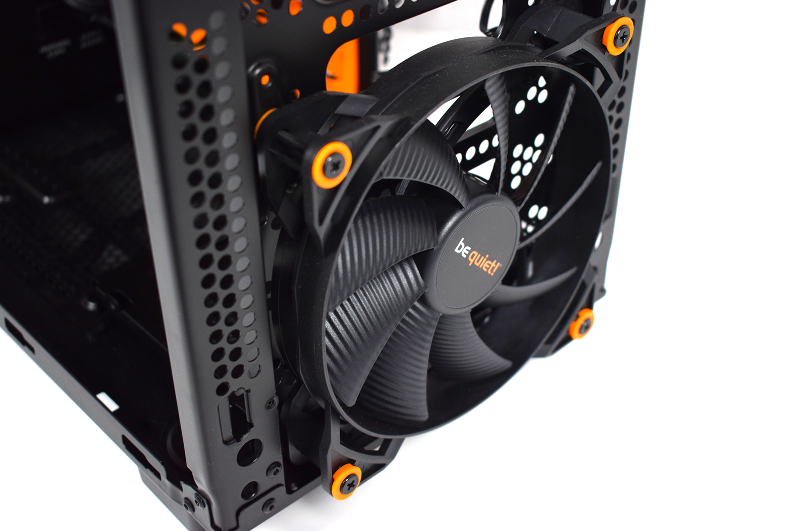 BeQuiet! Silent Base 600 Front fan-1