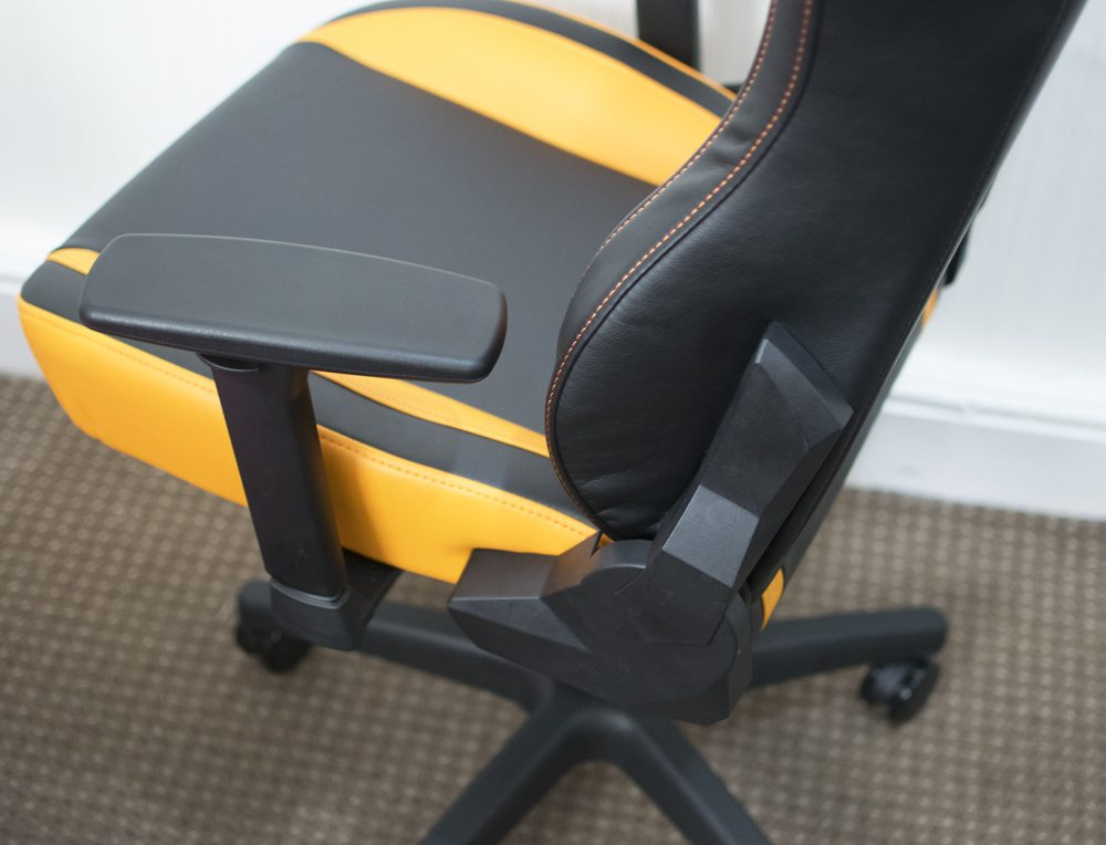 Arozzi Vernazza Gaming Chair Review 3