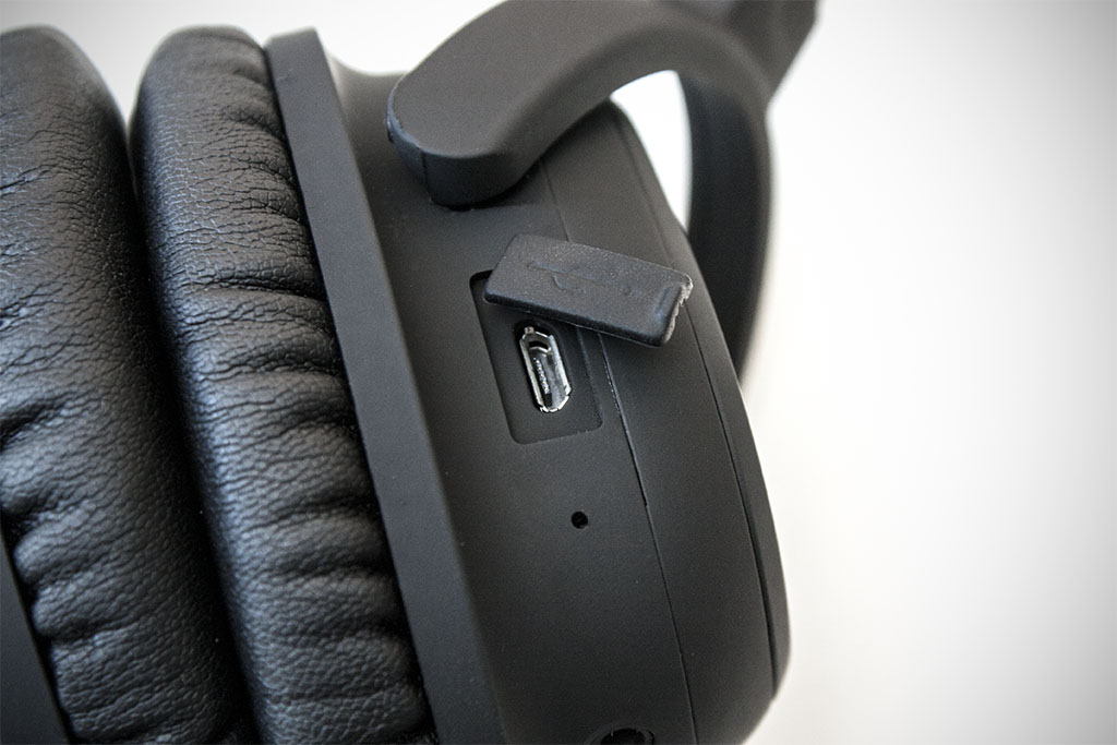 lindy bnx-60 wireless headphones usb port