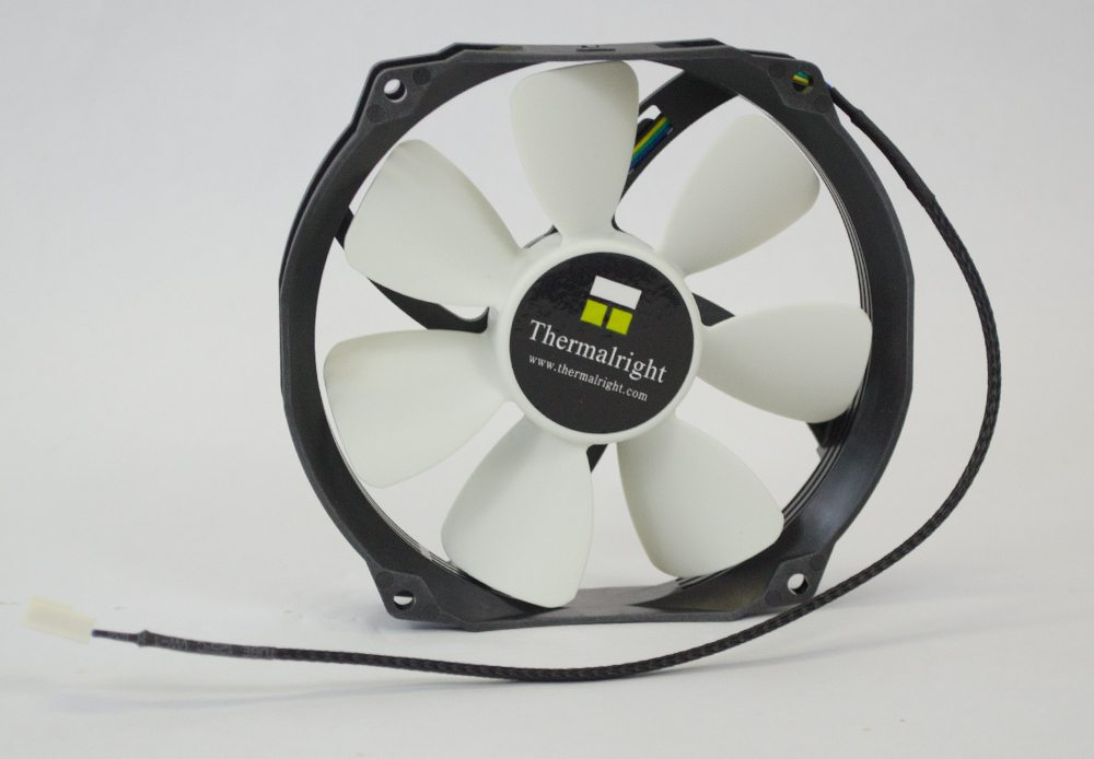 thermalright-macho-120-sbm-120mm-fan