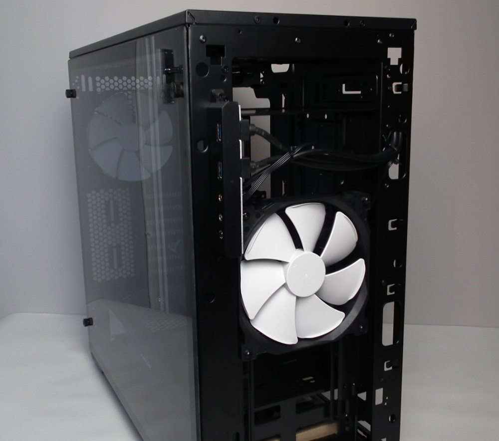 Enthoo Pro M Glass Front Fan