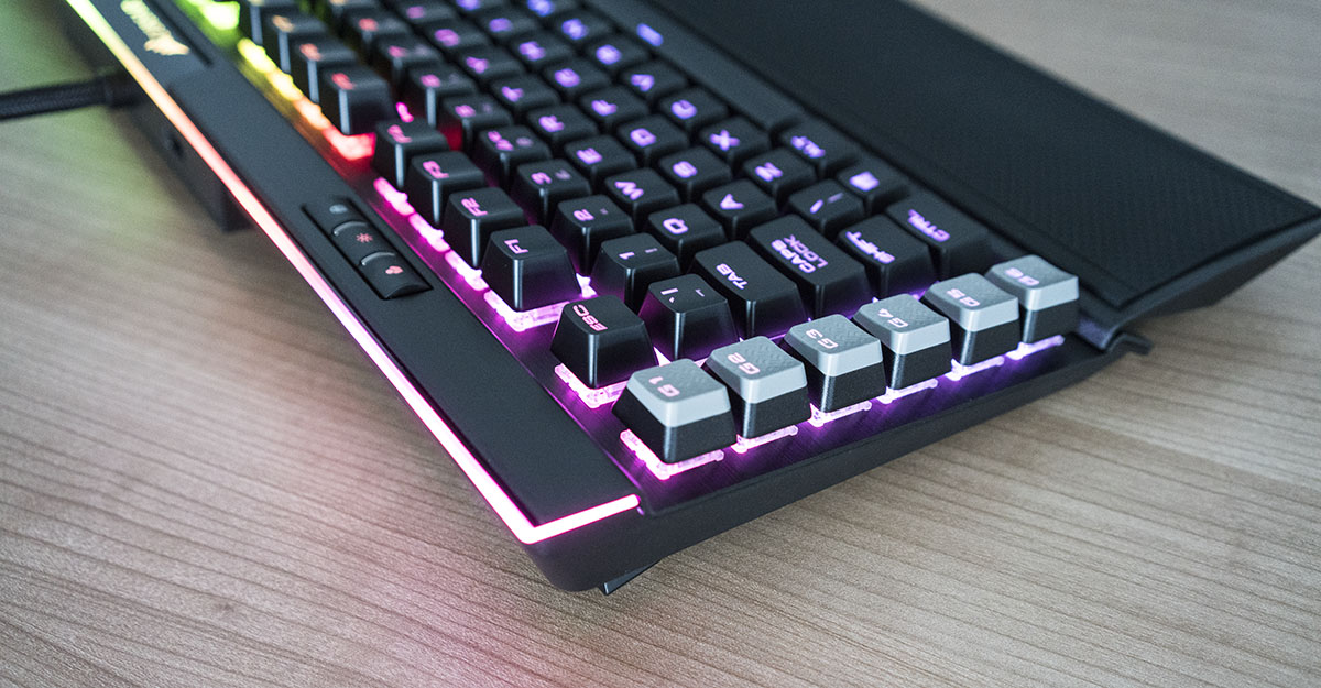 corsair k95 platinum lights top