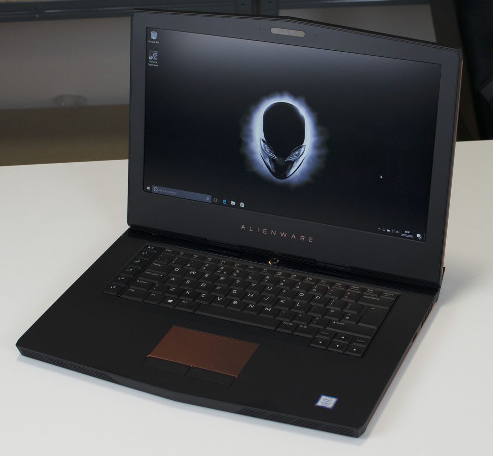 Alienware 15 R3 Laptop Review 7 (2)