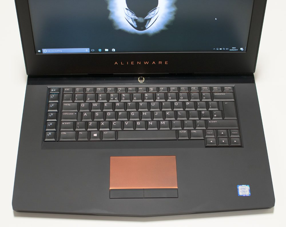 Alienware 15 R3 Laptop Review 7 (4)