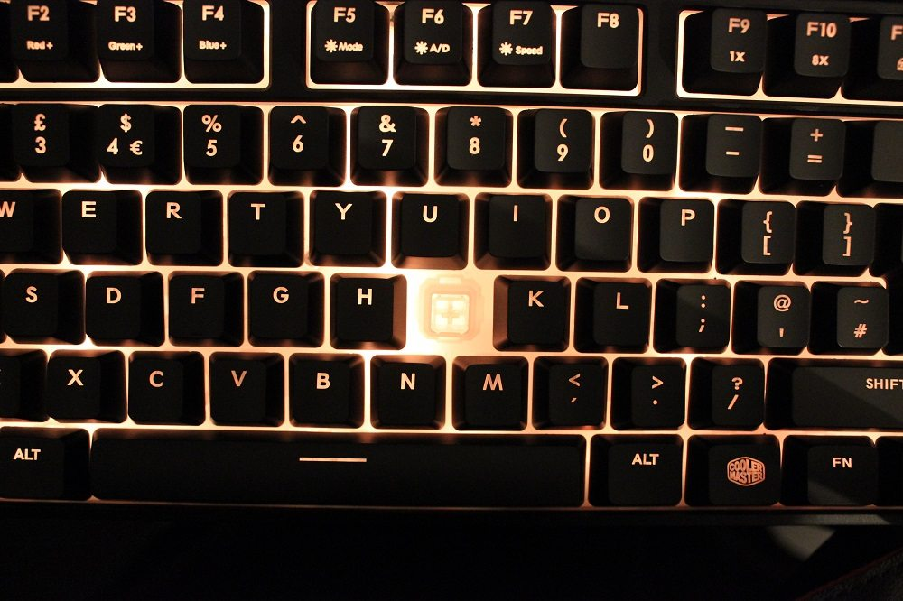 CM Masterkeys lite L keyboard switch view