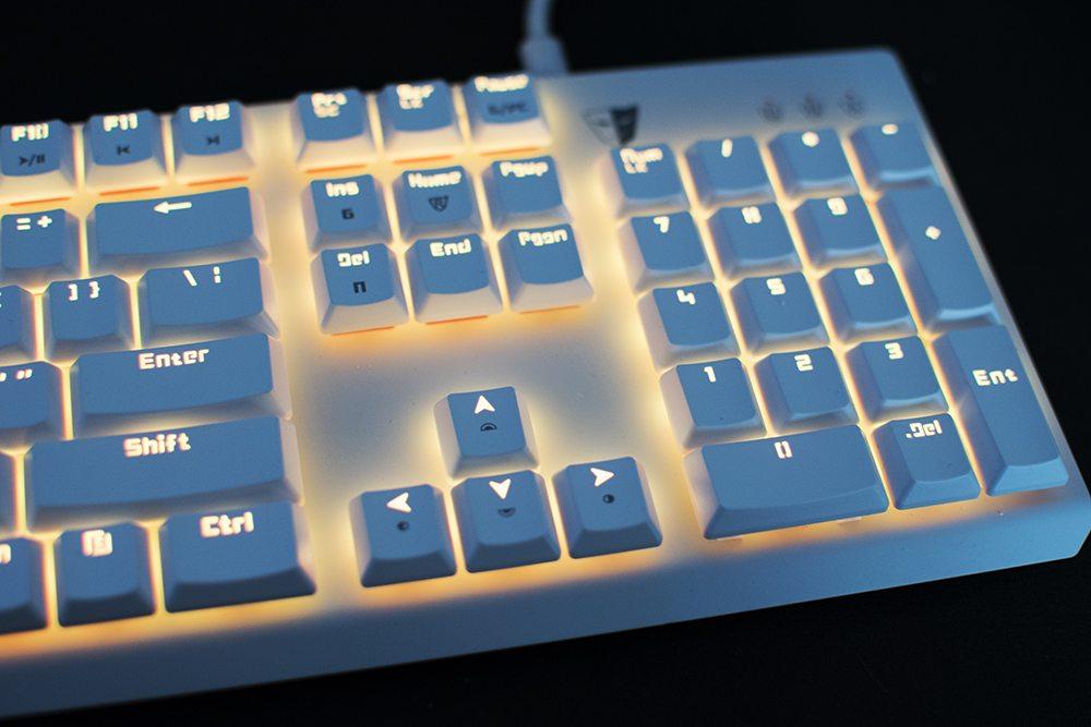 Tesoro GRAM Spectrum RGB Mechanical Keyboard 9