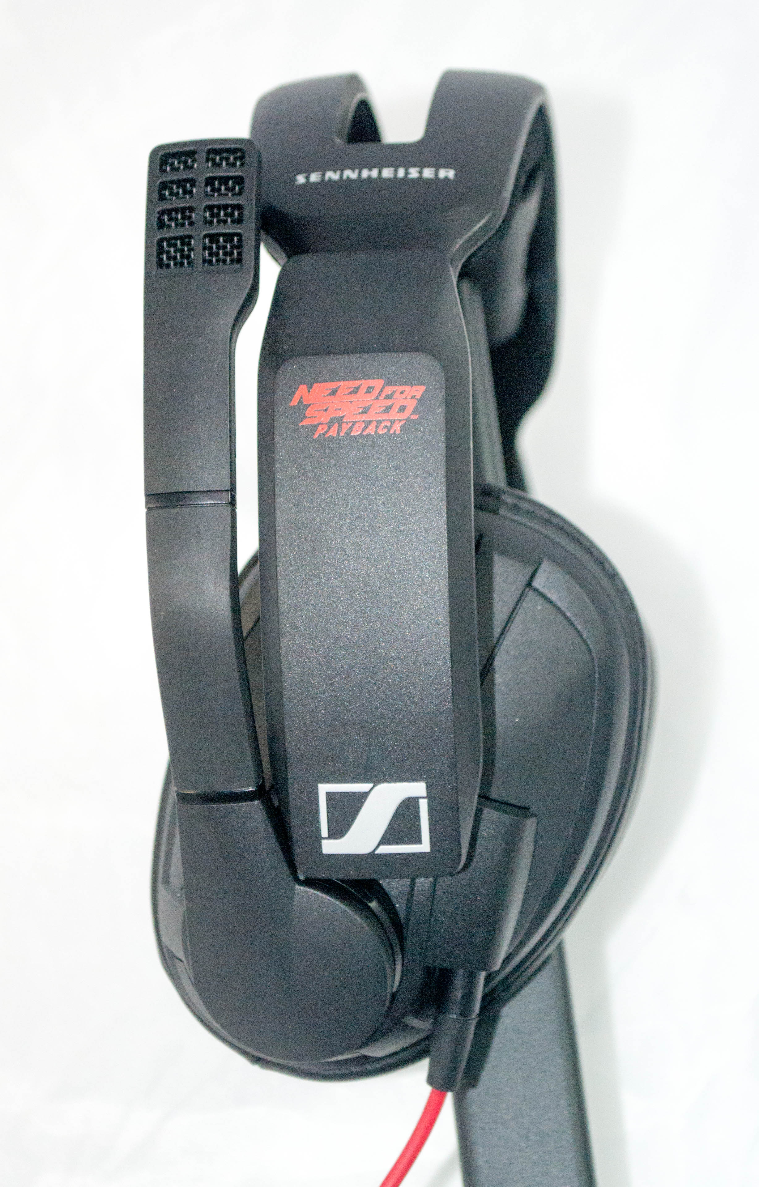 Sennheiser GSP 303 NFSP Ear Cup Outside With Mic