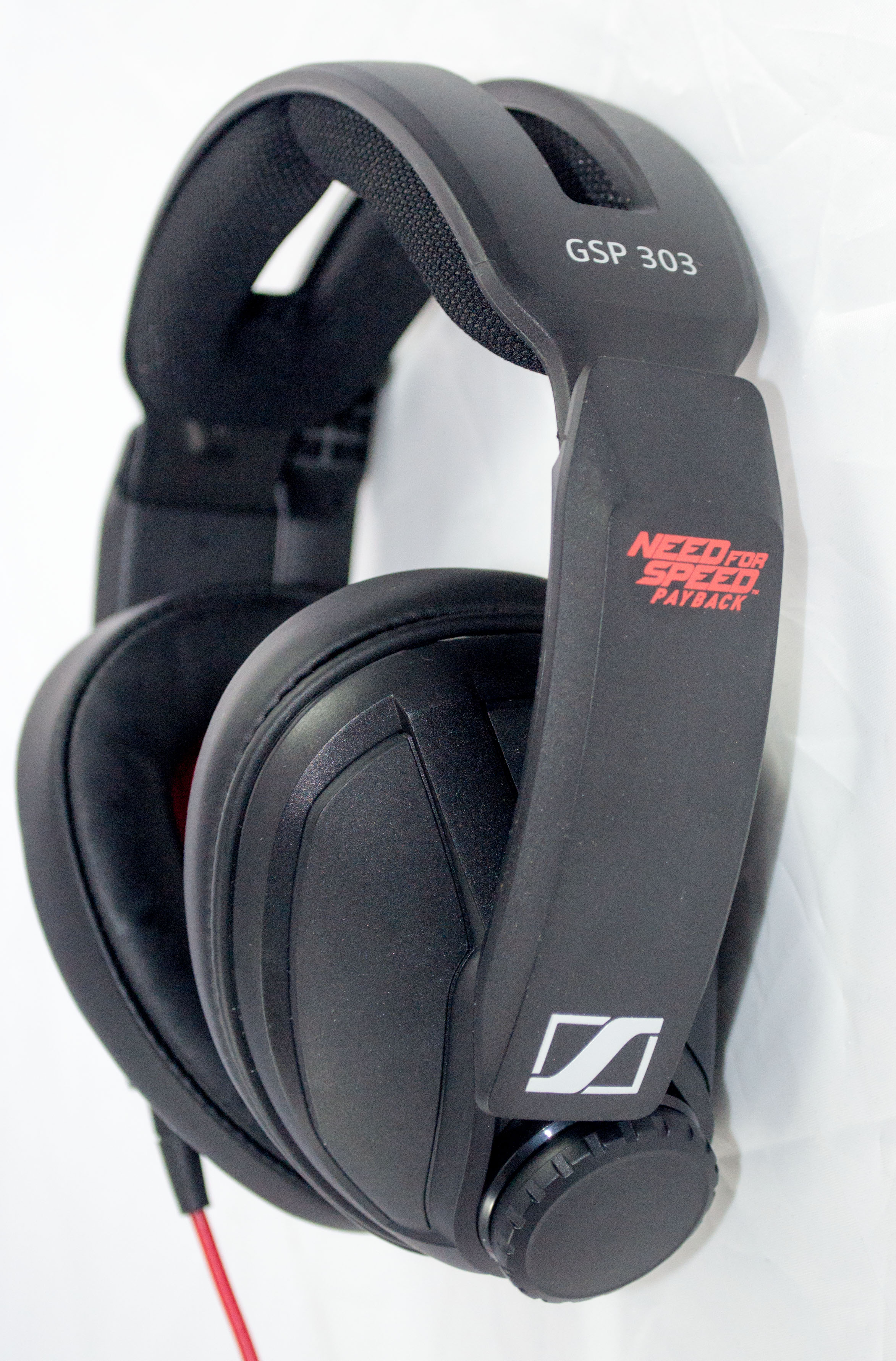 Sennheiser GSP 303 NFSP Ear Cup Outside With Volume