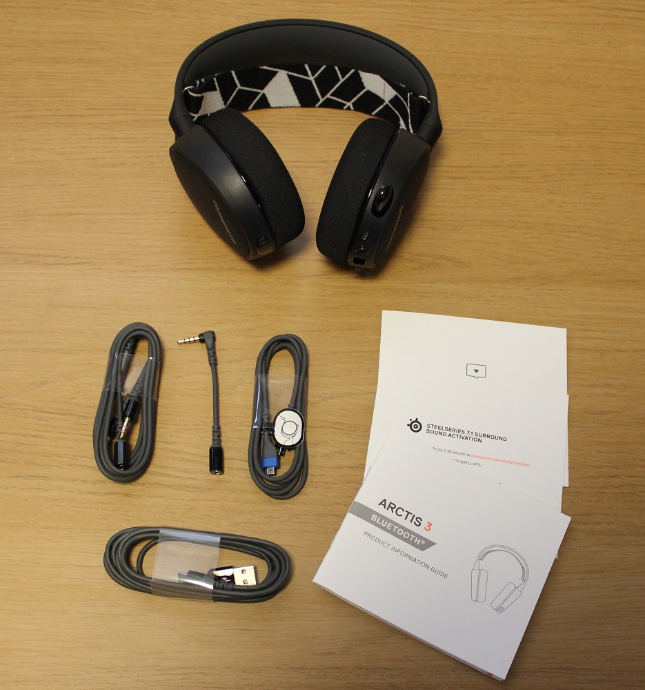 Steelseries Arctis 3 BT Box contents
