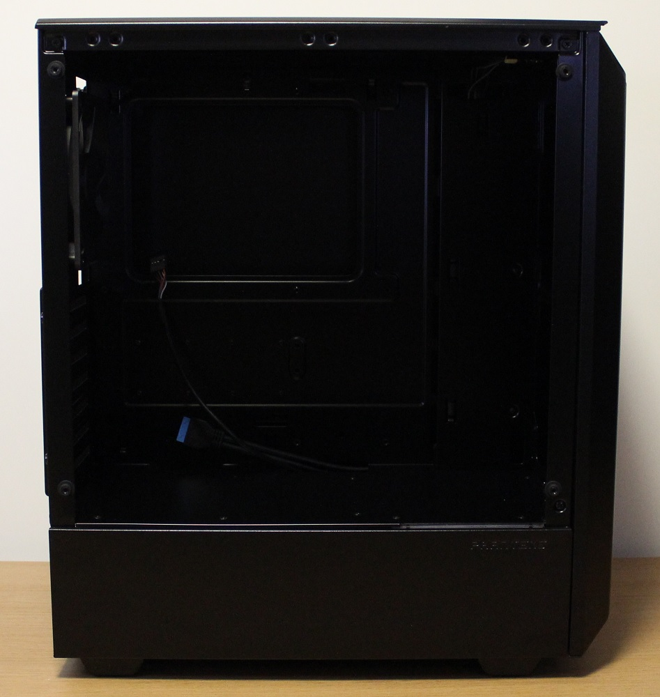Phanteks P300 Case inside