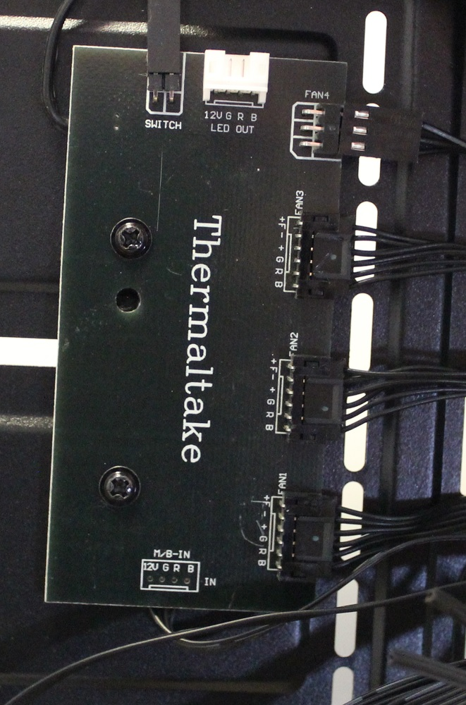 TT V200 TG RGB fan and rgb