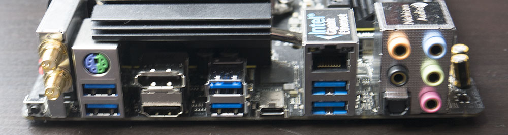 ASRock Z390 Phantom Gaming ITX Rear IO