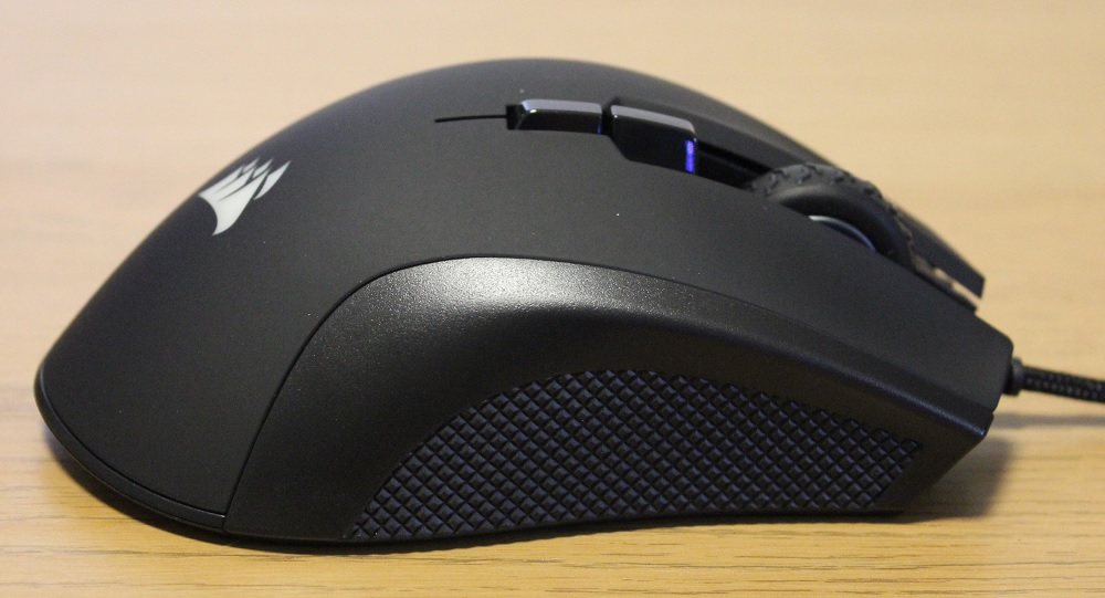 Corsair Ironclaw RGB mouse right